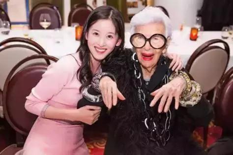 """她才不是一个刘强东背后的女人!揭秘""""奶茶妹妹""""的百亿身家!"""
